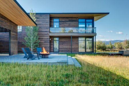 Façade terrasse - Maison Contemporaine Bois par Carney Logan Burke Architects - Wilson, Usa