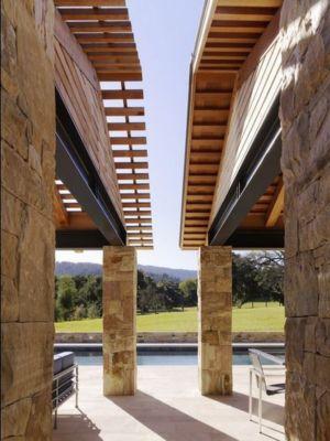 Façade deux bâtiments - - maison bois par Chesler Construction - Californie, USA