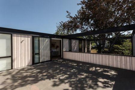 Façade entrée - House-LG10182 par Brugnoli Asociados Arquitectos - Santiago, Chili