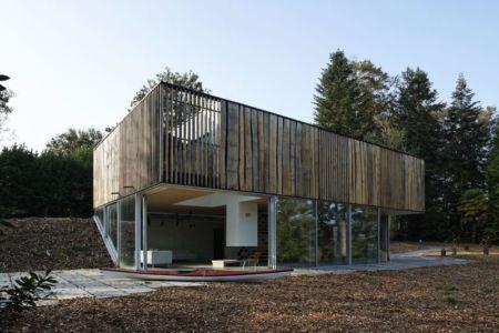 Façade intérieure - Maison D par Lode Architecture - France - Photo Daniel Moulinet