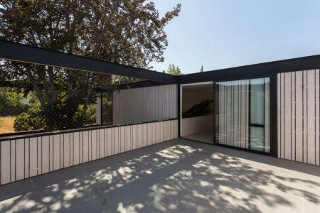 Façade terrasse - House-LG10182 par Brugnoli Asociados Arquitectos - Santiago, Chili