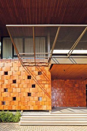 Façade Briques Terre Cuite - Akanaka Par RAW Architecture - Jakarta, Indonésie