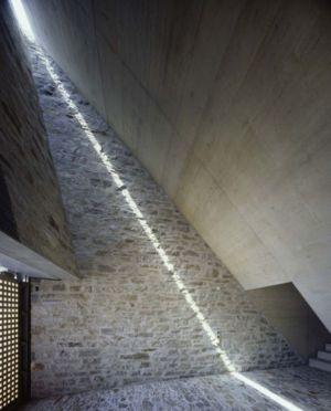 Façade Enterrée - Building-Brione Par Meuron Romeo - Minusio, Suisse