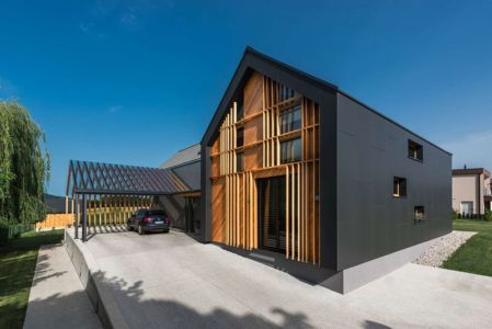 Façade Entrée & Garage - Family-Villa-XL - Sono-Arhitekti - Slovenie