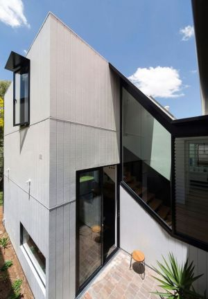 Façade Extension - Unfurled-House Par Christopher Polly Architect - Sydney, Australie