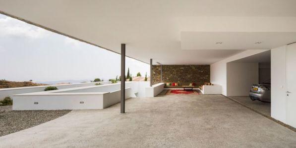 Façade Grande Terrasse & Entrée Garage - El Meandro Par Marion Regitko - Malaga, Espagne