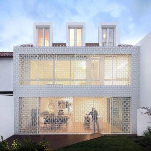 Façade Grille - Restelo-House Par Joao Tiago Aguiar - Lisbonne, Portugal