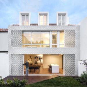 Façade Grille Coullissante & Vue Séjour - Restelo-House Par Joao Tiago Aguiar - Lisbonne, Portugal