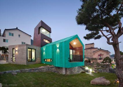 Façade Jardin - Tower-House-maison-x Par ON Architecture - Gimhae, Coree Du Sud