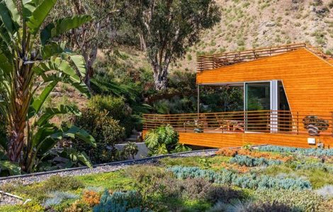 Façade Jardin - Wood-Clad-Home Par Space International - Los Angeles, Etats-Unis