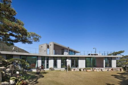 Façade Jardin - Y-House Par ON Architecture - Ulsan, Coree Du Sud