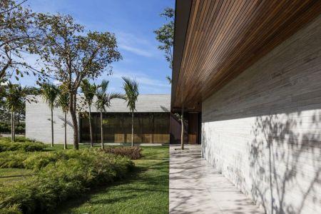 Façade Jardin & Couloir Extérieur - Fazenda-Boa-Vista Par Fernanda Marques Arquitetos - Porto Feliz, Bresil