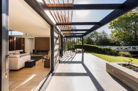 Façade Terrasse & Grande Baie Vitrée Coulissante Entrée Salon - Bradnor-Road Par Cymon Allfrey Architects - Fendalton, Nouvelle-Zelande
