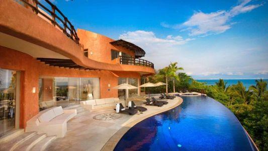 Façade Terrasse & Grande Piscine - Casa Mariposa Conçue Par Arqflores - La Cruz De Huanacaxtle, Mexique