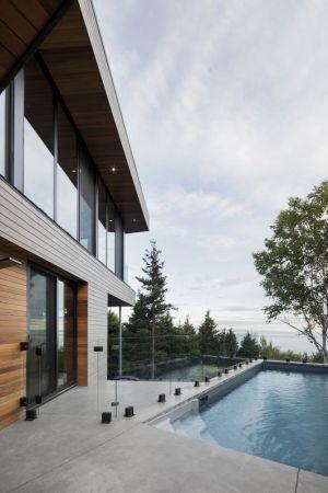 Façade Terrasse é Piscine - V-Shaped-Residence Par Bourgeois Lechasseur - Charlevoix, Canada