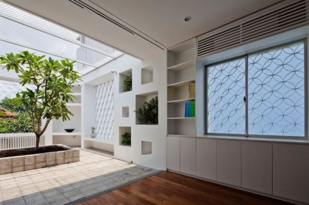 Façade Terrasse étage - HEM-House Par Sanuki Daisuke - Ho Chi Minh, Vietnam