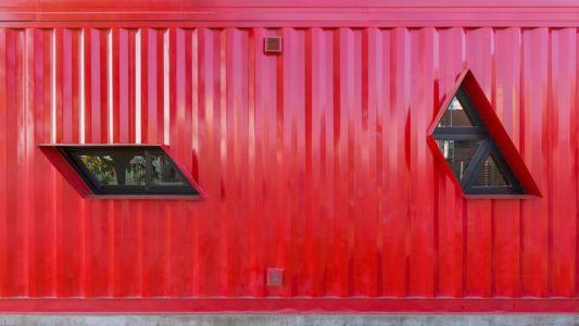 Fenêtres sur containers - Container House par Schreibe Architect - Cordoba, Argentine.jpg