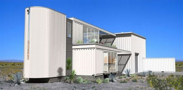 First-Shipping-Container-House dans le Desert Mojave- Ecotech Design