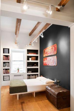 salle de bains et porte à galandage - Grand Trunk par Mark+Vivi - Montreal, Canada
