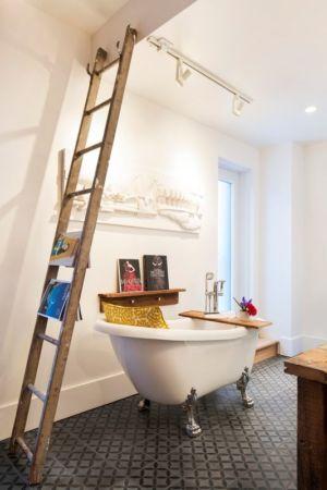 baignoire rétro salle de bains - Grand Trunk par Mark+Vivi - Montreal, Canada