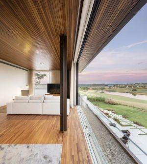 Grande Façade Vitrée Coulissante - Fazenda-Boa-Vista Par Fernanda Marques Arquitetos - Porto Feliz, Bresil