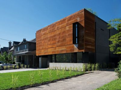façade entrée - Heathdale Residence par TACT Design INC. - Toronto