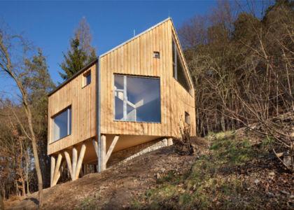 Hilltop Home par Alt ARchiteckti - Boheme centrale, Republique Tchèque| + d'infos