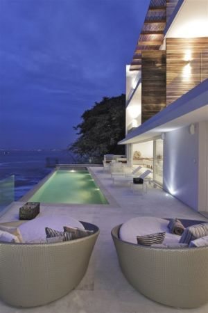 House at Sea par Elías Rizo Arquitectos - Puerto Vallarta, Mexique + d'infos