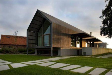 Jardin & Façade Vitrée - barn-buro-2 par Buno II & Archi - Flandre, Belgique.jpg