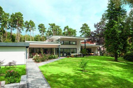Jardin - Maison en ossature bois par Weberhaus -Brandebourg, Allemagne