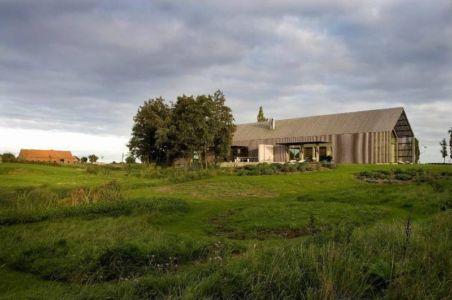 Jardin - barn-buro-2 par Buno II & Archi - Flandre, Belgique.jpg