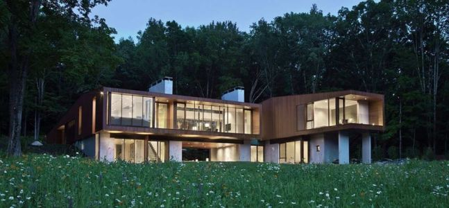 Façade jardin de nuit - bridge-house par Joeb Moore & Partners - Kent Connecticut, USA