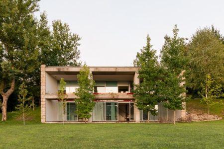 LGM House par Nuno Graça Moura - Marco de Canaveses, Portugal