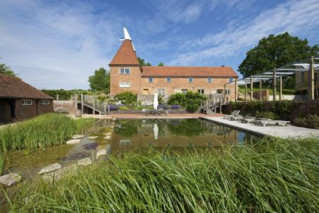 Lac & Bain De Soelil - Little-England-Farm Par BBM Sustainable Architects - East Sussex, Angleterre