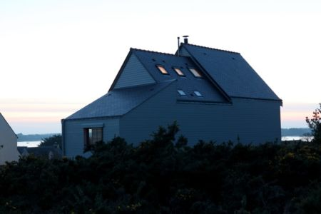 façade nord et panorama - Maison bois bioclimatique par Patrice Bideau architecte