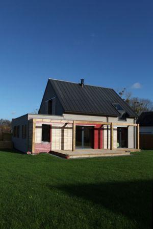 façade jardin - Maison bois béton par Patrice Bideau - Atypique - France
