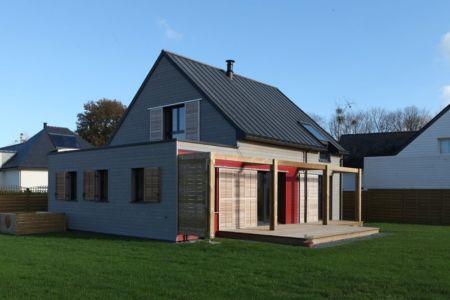 façade terrasse - Maison bois béton par Patrice Bideau - Atypique - France