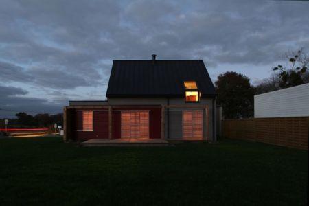 jardin de nuit - Maison bois béton par Patrice Bideau - Atypique - France