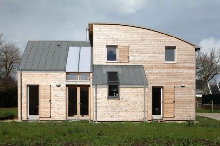 Façade principale - Maison bois organique par Patrice Bideau, Atypique - Morbihan, France