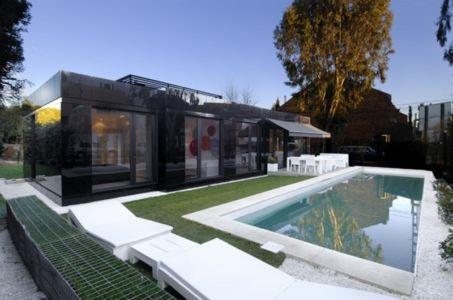 Maison préfabriquée noire par A-Cero, Espagne - + d'infos