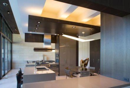Mini Salle Séjour & îlot Central De Cuisine - Ballantrae Court Par Kz Architecture - Floride, USA