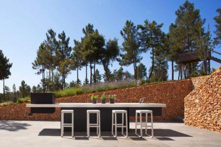 table terrasse design - la-vinya par Lagula Arquitectes, Malavella, Espagne