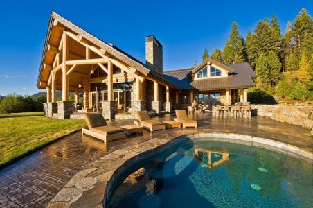 Okanagan Log Home par Sticks and Stones Design Group Inc - Okanagan, Canada