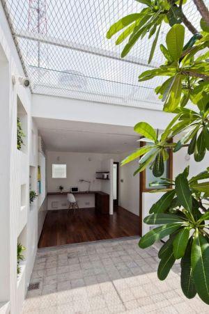 Ouverture Grillagée & Entrée Espcae Bureau - HEM-House Par Sanuki Daisuke - Ho Chi Minh, Vietnam