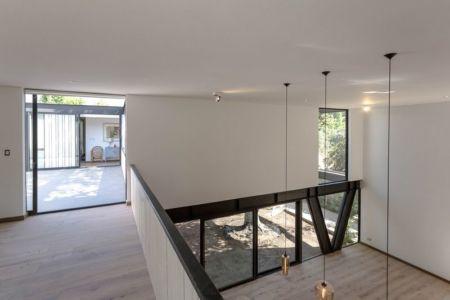 Pièce principale entrée - House-LG10182 par Brugnoli Asociados Arquitectos - Santiago, Chili