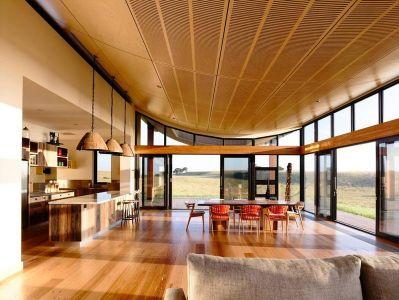 Pièce De Vie & Plafond Lambris Bois - Flinders-House Par Peter Schaad Design, Australie