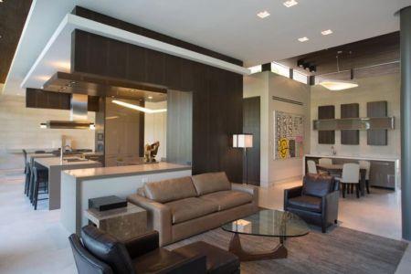 Pièce De Vie étage - BalustradeCourt Par Kz Architecture - Floride, USA