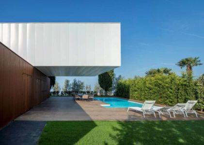 Piscine & Arrière Etage - Villa Materada par Proarh, Croatie.jpg