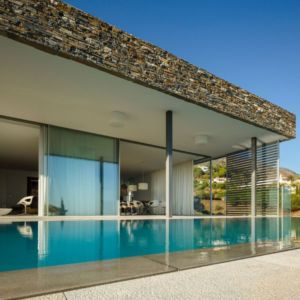 Piscine & Grande Baie Vitrée Salon - El Meandro Par Marion Regitko - Malaga, Espagne