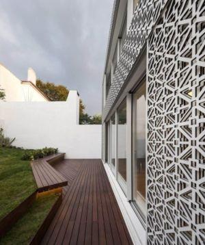 Porte Vitrée Coulissante & Terrasse Lambris - Restelo-House Par Joao Tiago Aguiar - Lisbonne, Portugal